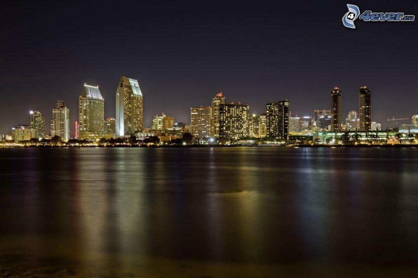 San Diego, miasto nocą