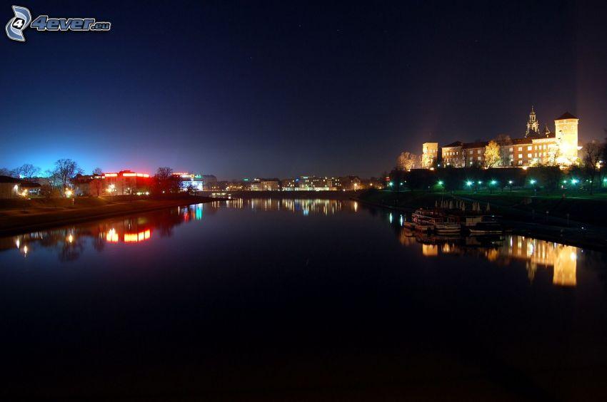 Wawel, Kraków, rzeka, miasto nocą