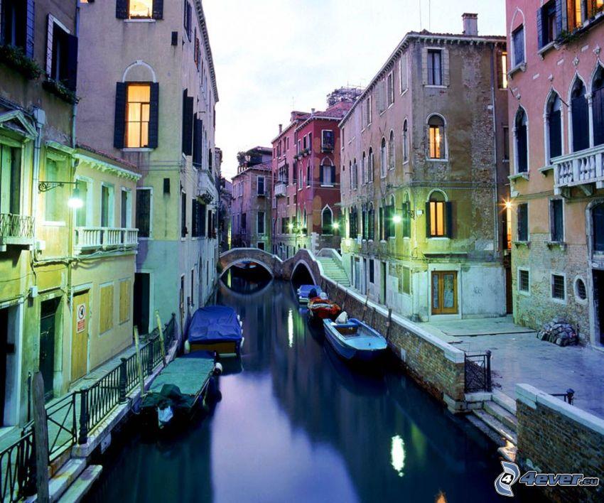 Wenecja, Włochy, uliczka, łódki