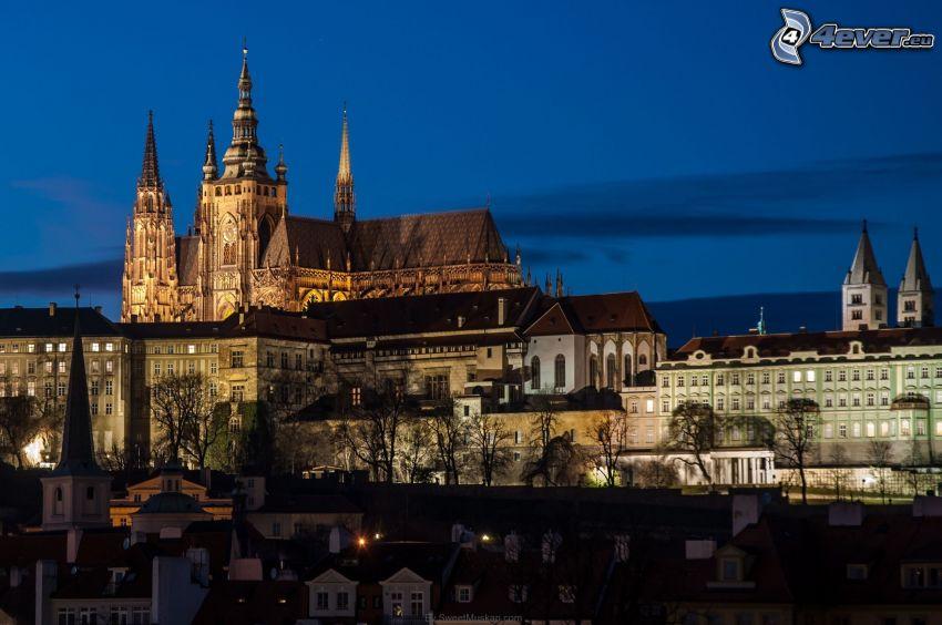 Zamek Praski, Praga, miasto wieczorem