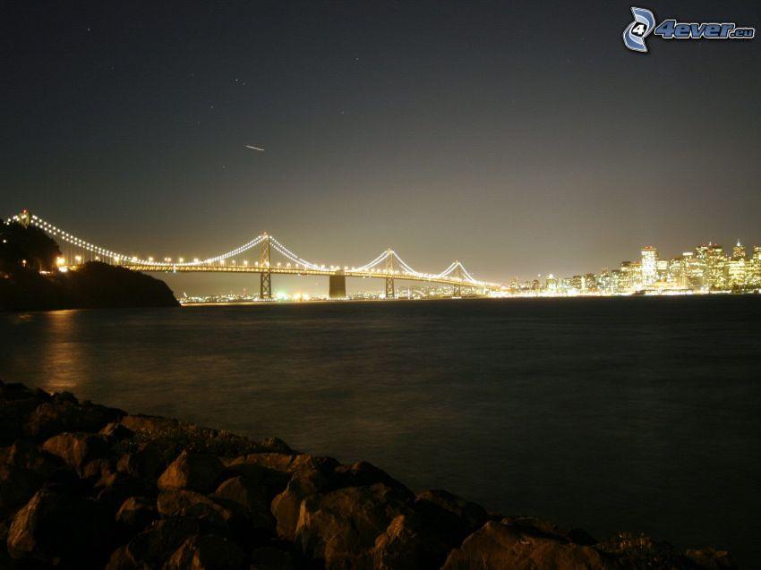Bay Bridge, San Francisco, oświetlony most, rzeka, noc