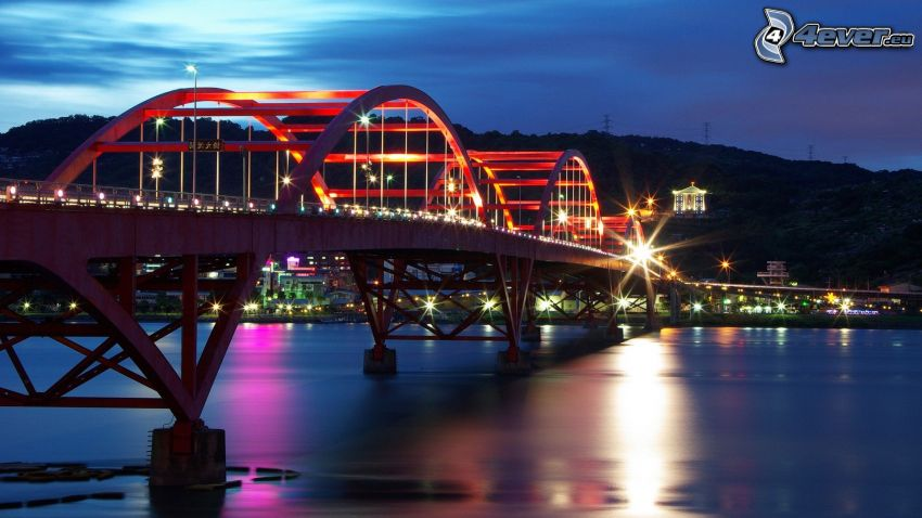 Guandu Bridge, oświetlony most, noc