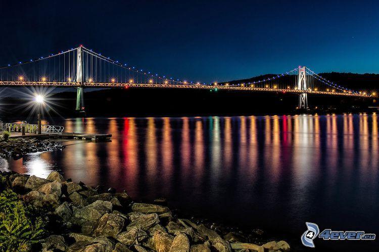 Mid-Hudson Bridge, oświetlony most, noc