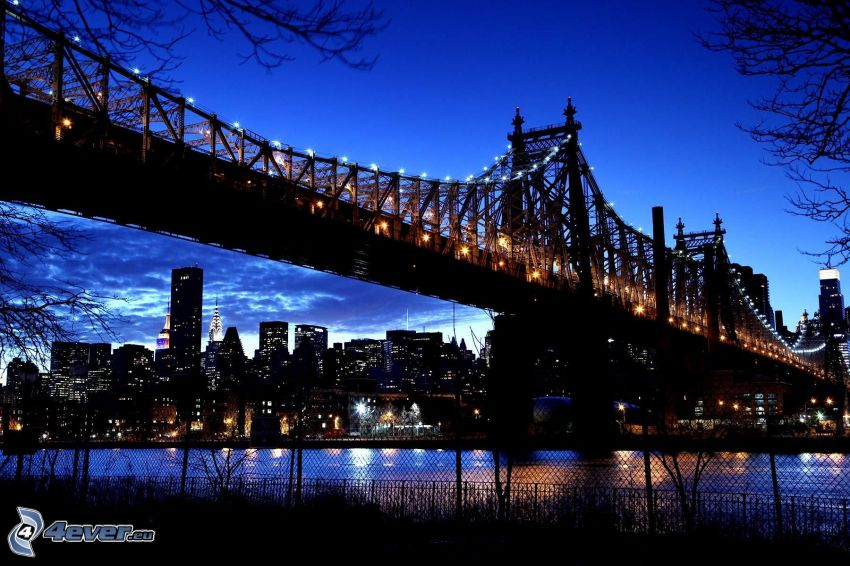 Queensboro bridge, oświetlony most, New York nocą