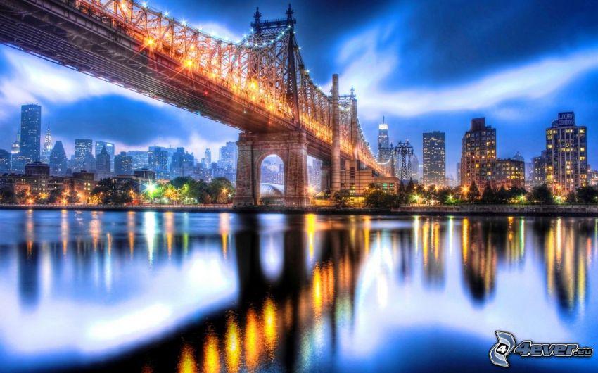 Queensboro bridge, oświetlony most, wieżowce, miasto wieczorem, sztuka cyfrowa, HDR
