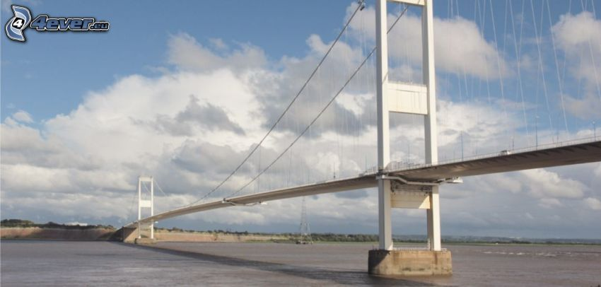Severn Bridge, chmury
