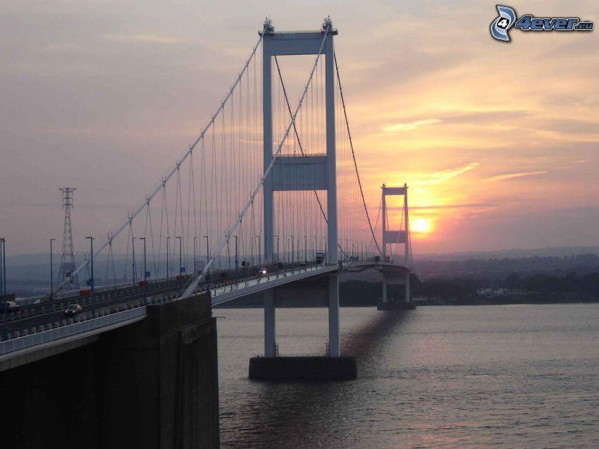 Severn Bridge, słońce