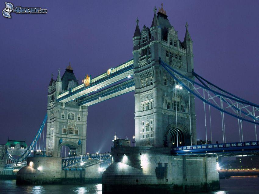 Tower Bridge, oświetlony most, noc