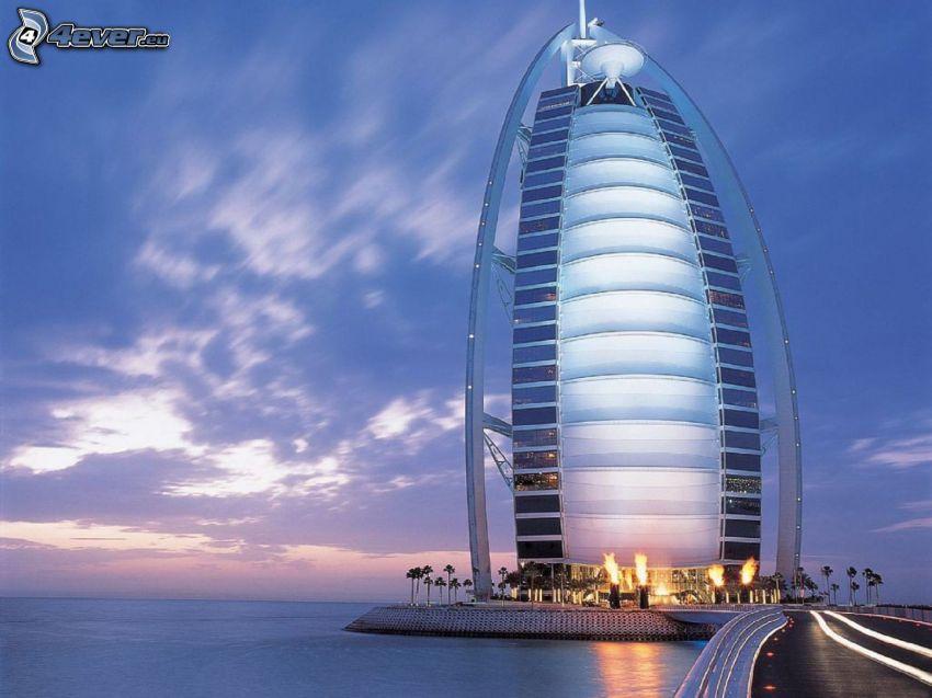 Burj Al Arab, Dubaj, morze, palmy