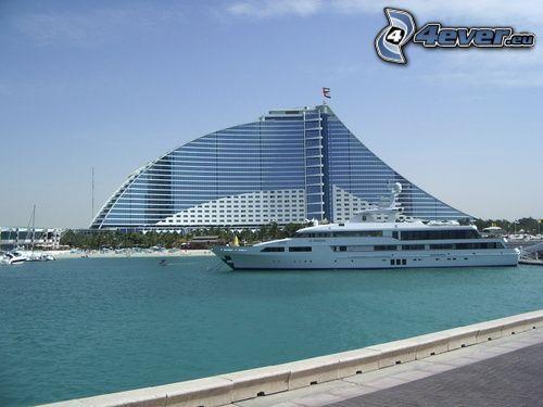 Jumeirah Beach, Dubaj, statek wycieczkowy