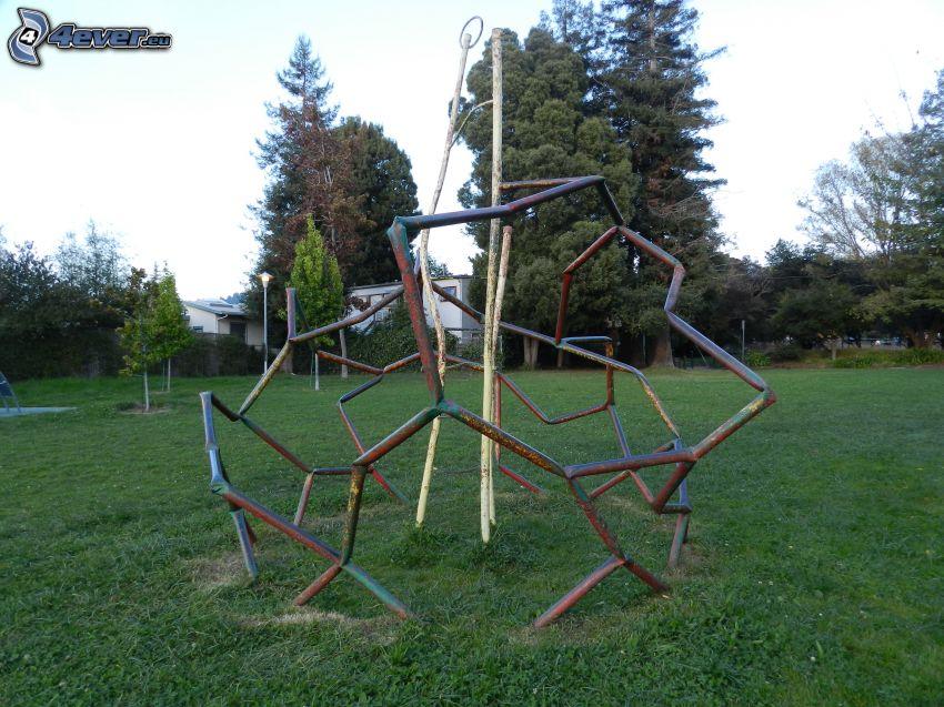 plac zabaw, drzewa
