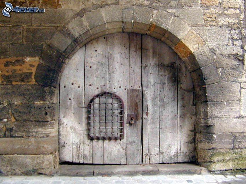 stare drzwi, brama, ściana