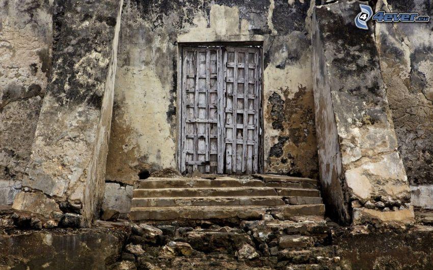 stare drzwi, stary mur, schody