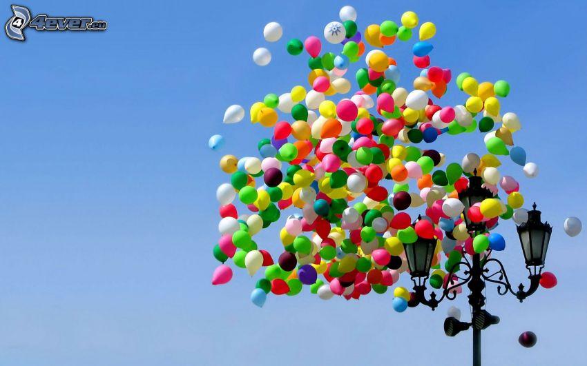balony, uliczne oświetlenie