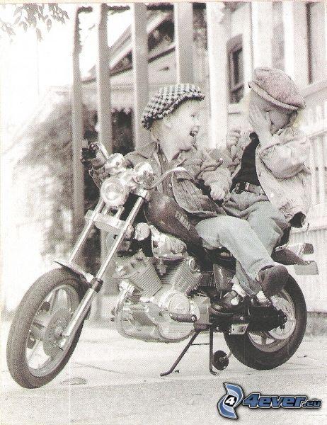 dzieci, motocykl, radość, śmiech