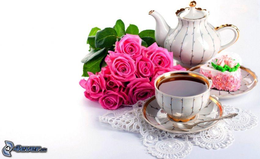 herbata, czajnik, bukiet róż, różowe róże