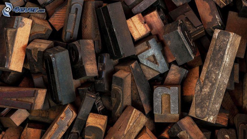 litery, liczby, drewniane klocki