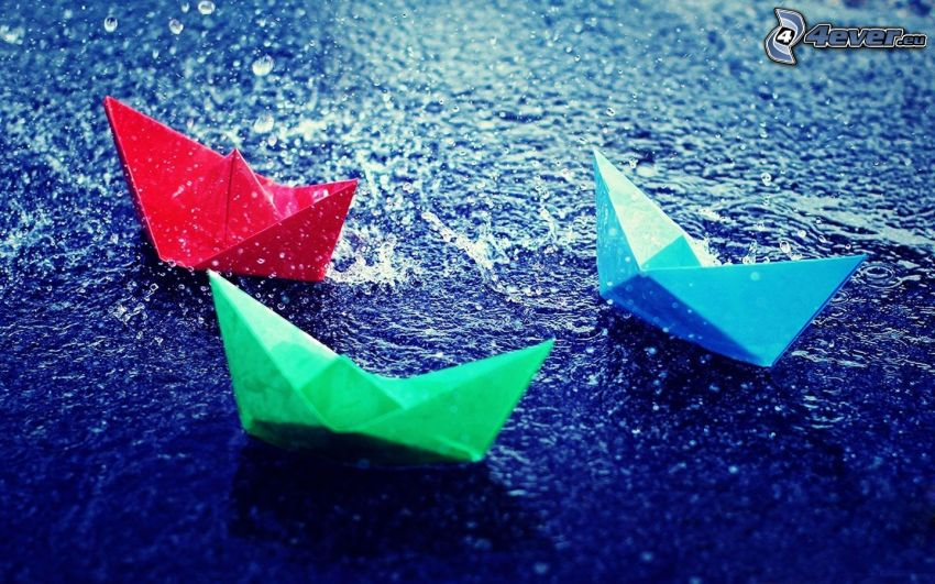 łódki z papieru, woda