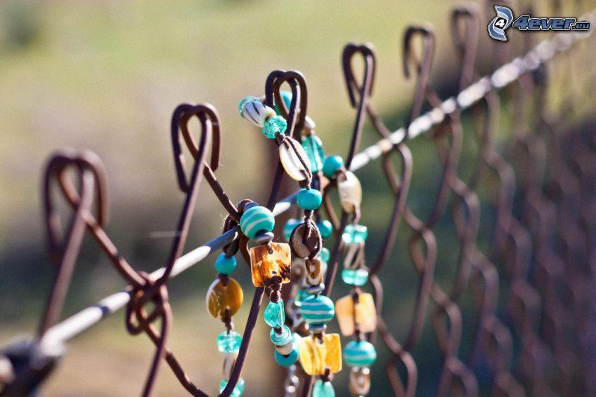 naszyjnik, ogrodzenie z drutu
