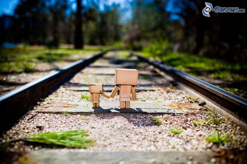papierowe roboty, tory kolejowe
