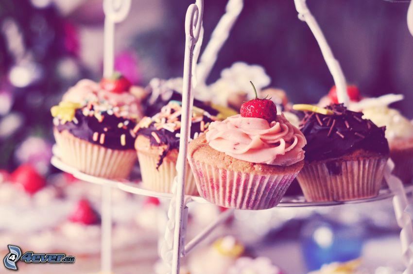 cupcakes, truskawki