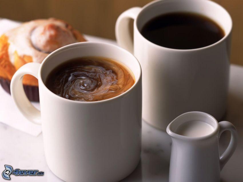 filiżanka kawy, mleko, ciasteczko