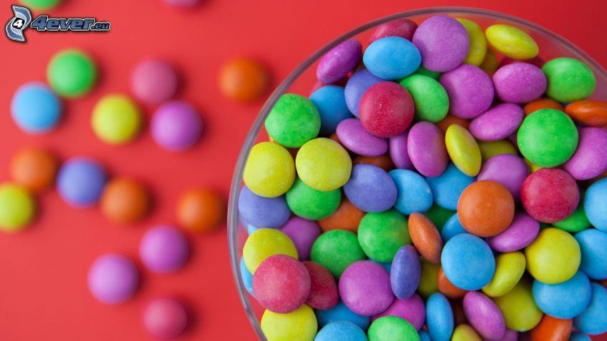 kolorowe cukierki, Lentylki, miska