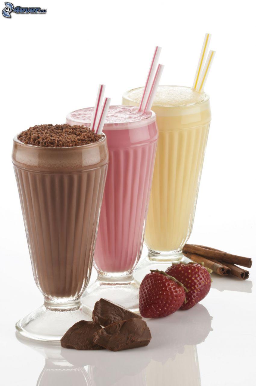 milk shake, czekolada, truskawki, cynamon, słomki