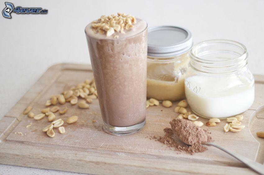 milk shake, orzeszki ziemne, kakao, mleko, karmel