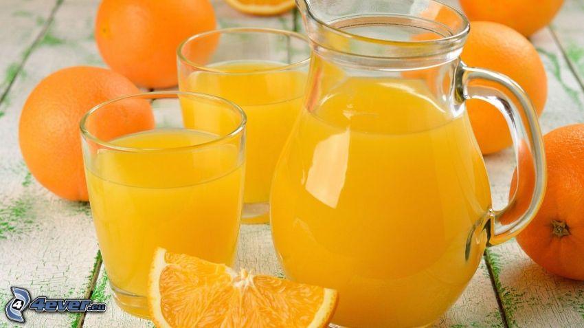 sok pomarańczowy, dzban, kieliszki, pomarańcze