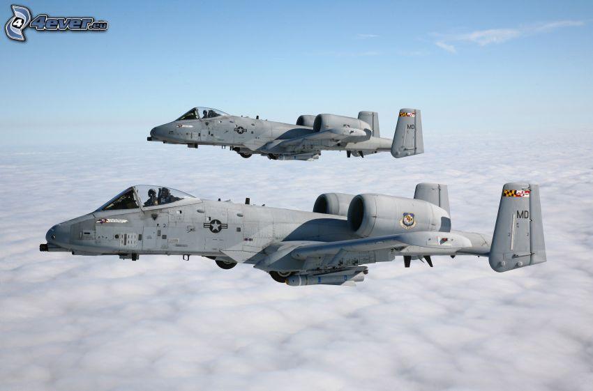 A-10 Thunderbolt II, ponad chmurami