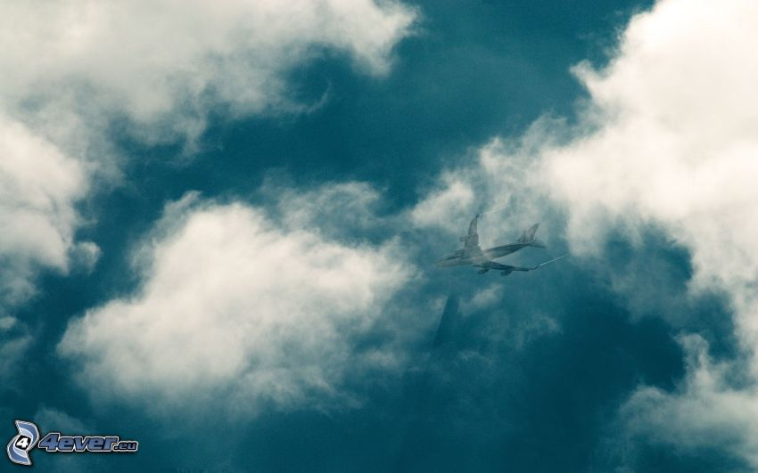 myśliwiec, chmury