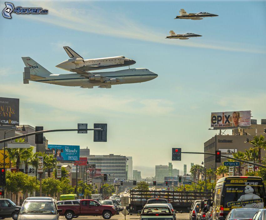samolot, statek kosmiczny, myśliwce, miasto