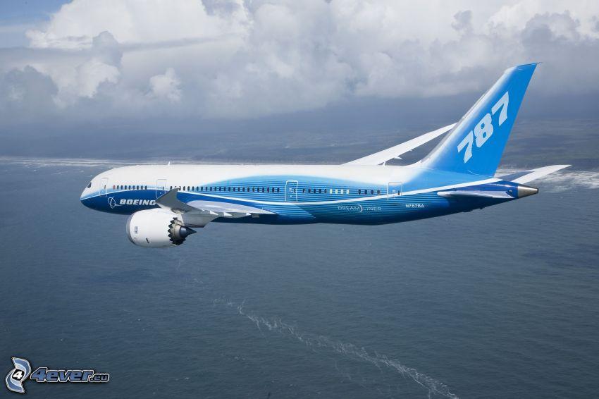 Boeing 787 Dreamliner, morze