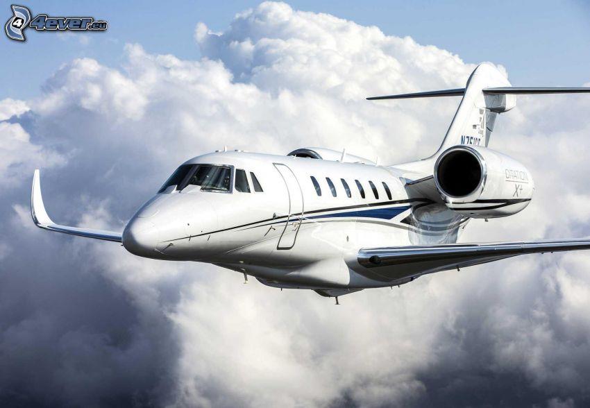 Citation X - Cessna, chmury