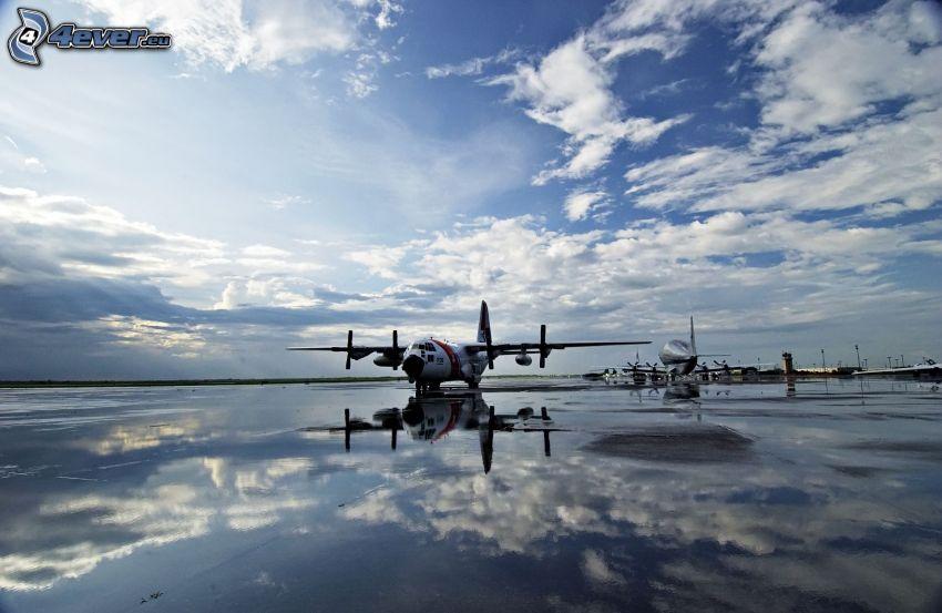 samolot, woda, odbicie, chmury