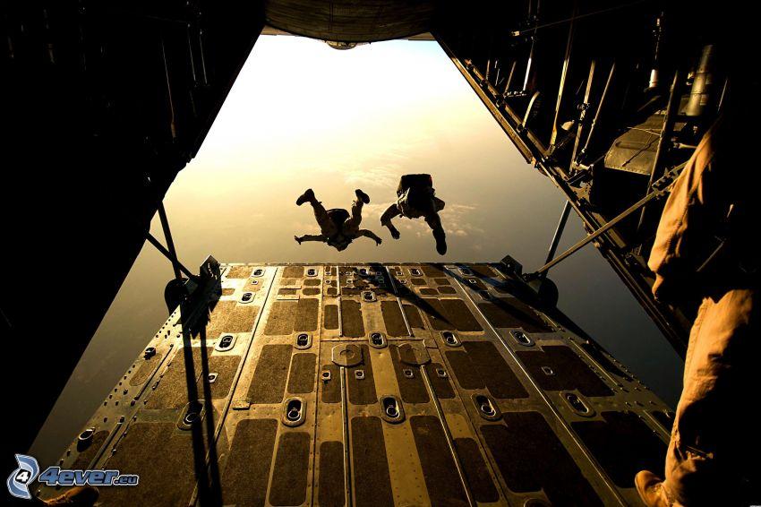 skok z samolotu, spadochroniarze