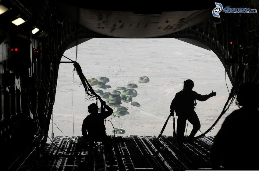 skok z samolotu