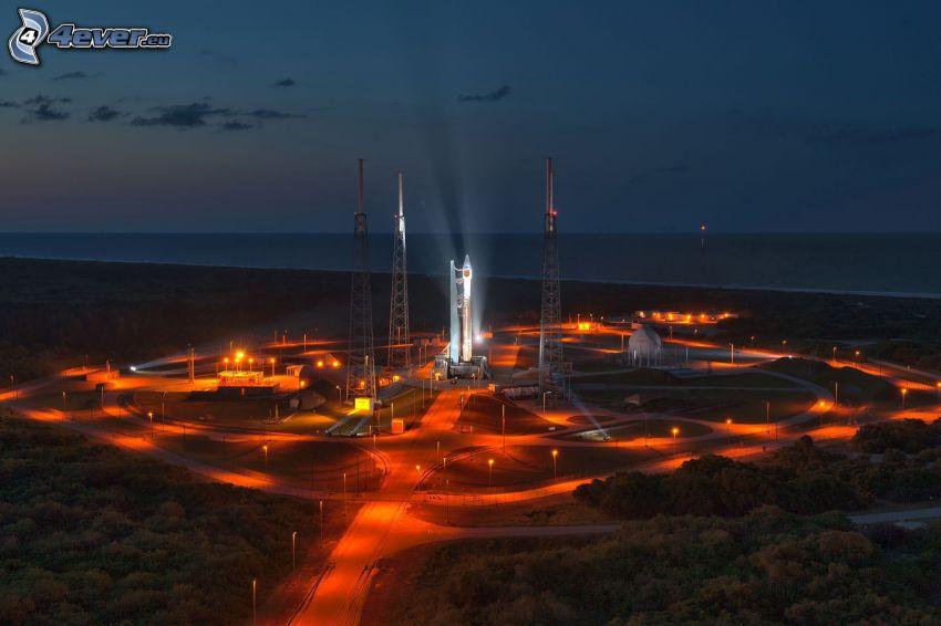 Atlas V, start rakiety, morze