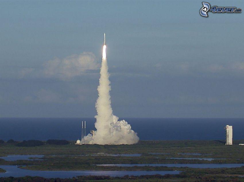 Atlas V, start rakiety, morze otwarte