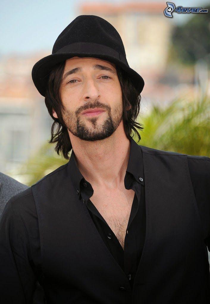 Adrien Brody, kapelusz