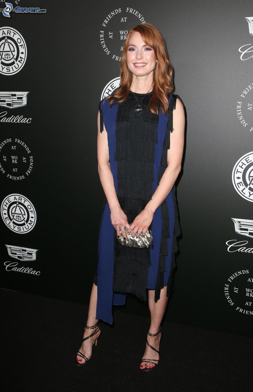 Alicia Witt, uśmiech, czarna sukienka