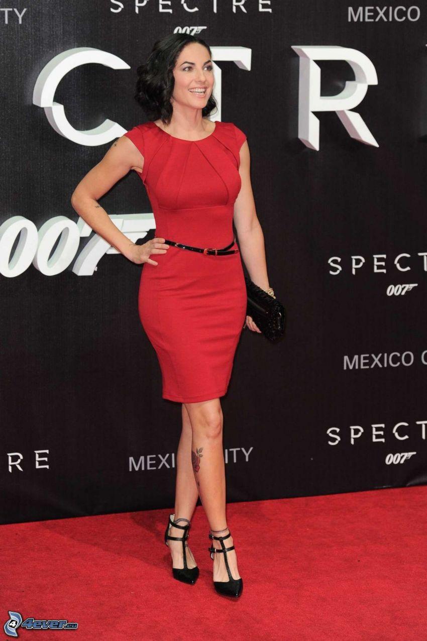 Barbara Mori, czerwona sukienka