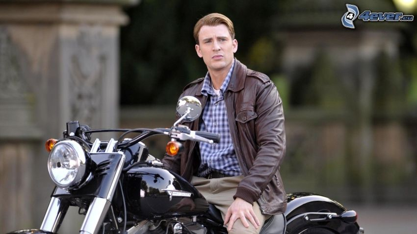 Chris Evans, chopper, motocykl
