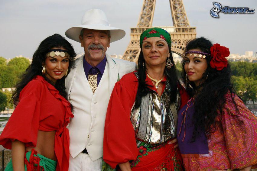 cygańskie serce, aktorzy, Paryż, Wieża Eiffla, kapelusz