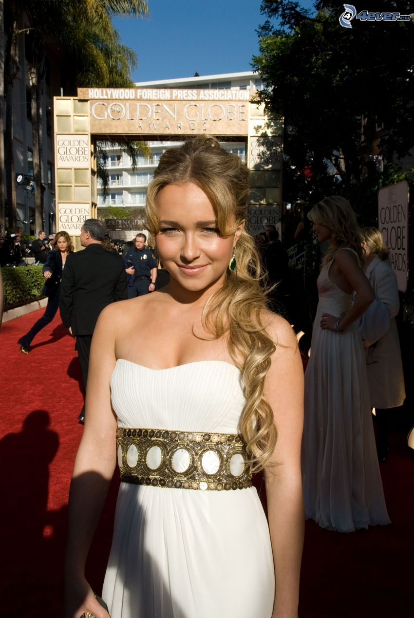 Hayden Leslie Panettiere, blondynka, długie włosy, biała sukienka