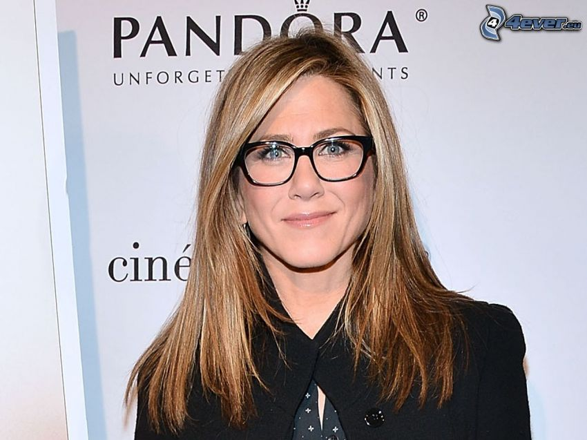 Jennifer Aniston, kobieta w okularach