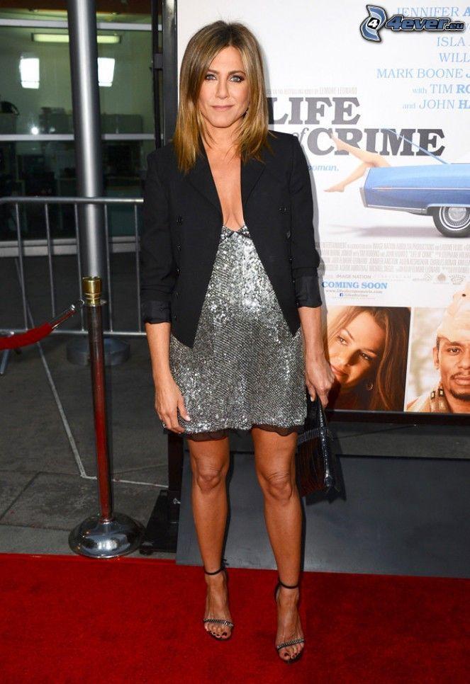 Jennifer Aniston, szara sukienka