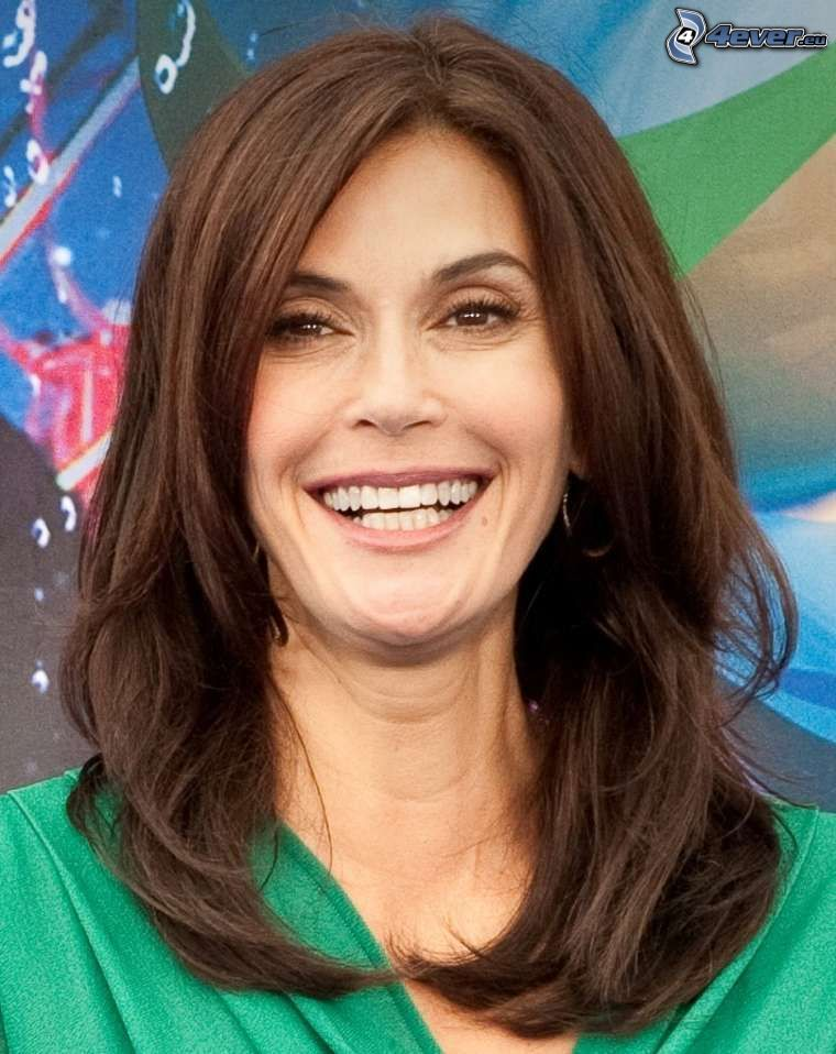 Teri Hatcher, śmiech