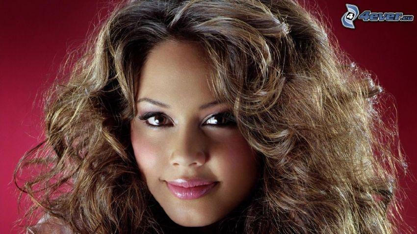 Vanessa Minnillo, kręcone włosy
